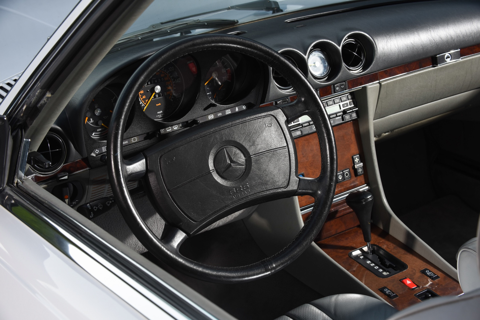 Used 1989 Mercedes-Benz 560-Class 560 SL   Valley Stream, NY