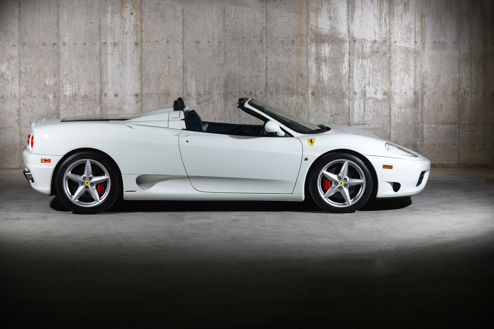 Used 2001 Ferrari 360  | Valley Stream, NY