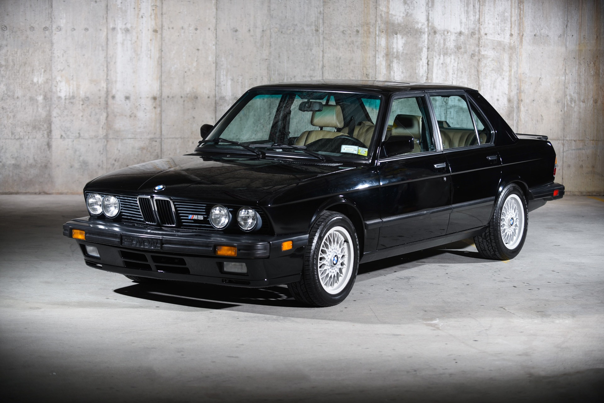 Used 1988 BMW M5  | Valley Stream, NY