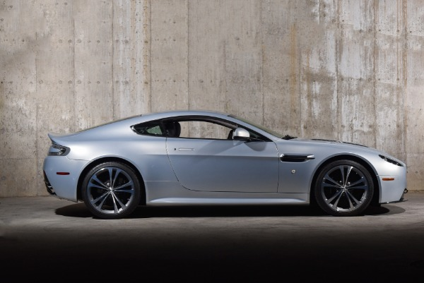 Used 2011 Aston Martin V12 Vantage  | Valley Stream, NY