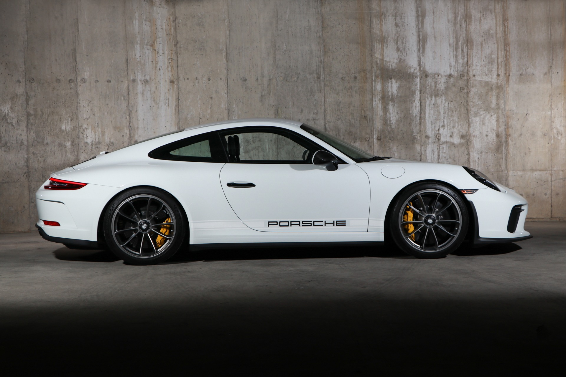 Used 2018 Porsche 911 GT3 Touring | Glen Cove, NY